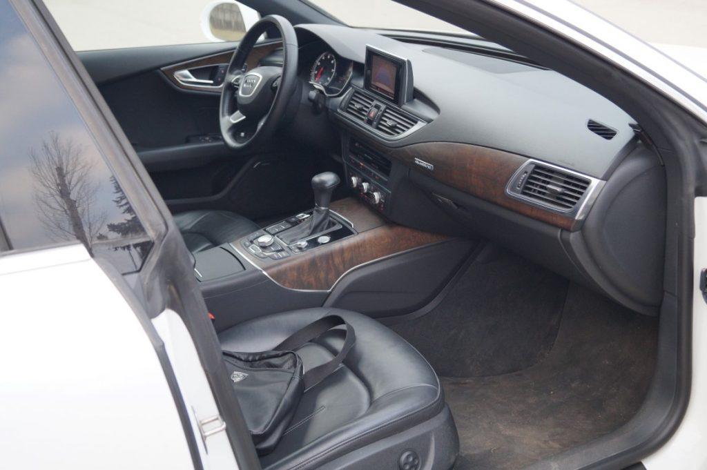 Автомобиль Ауди А7