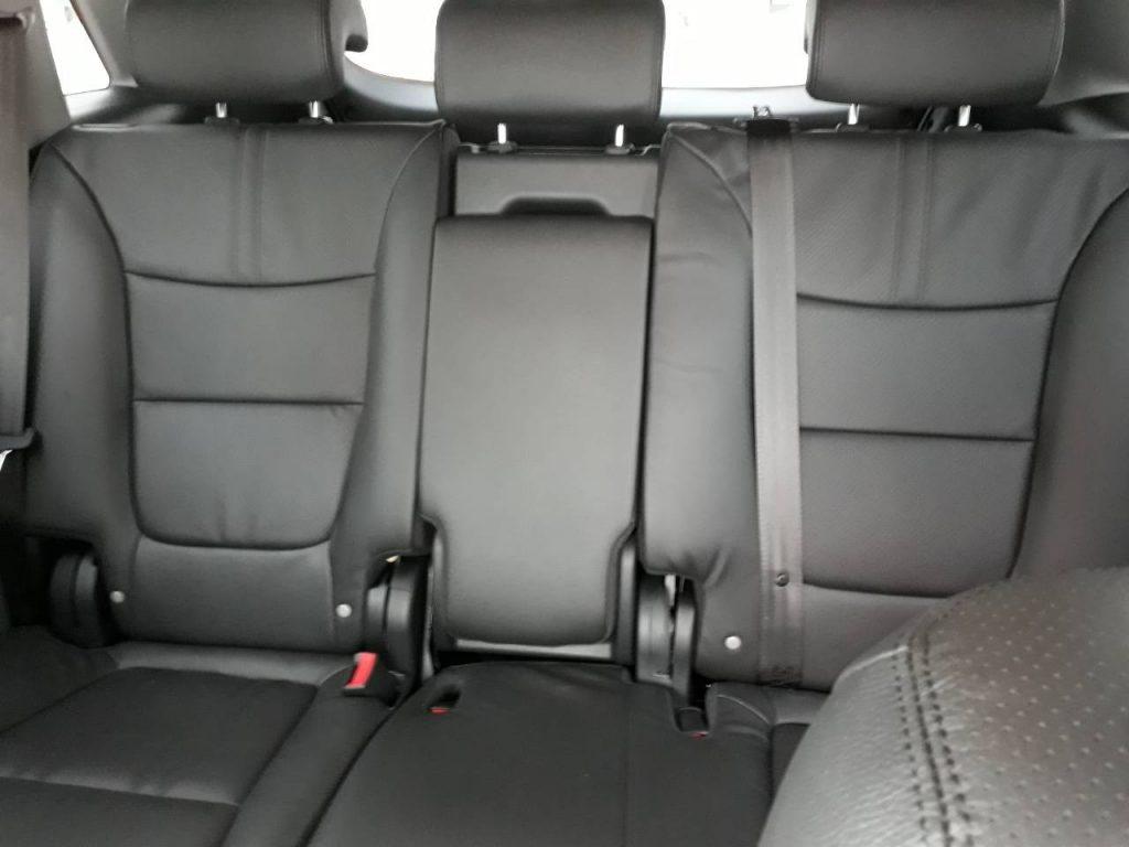 Автомобиль Киа Соренто