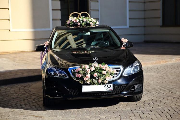 Автомобиль Mersedes E-class