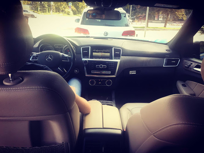 Автомобиль Mersedes GL
